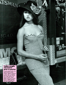 Barbieri_Vogue_Italia_March_1985_13.thumb.png.393736b821d7d4194c3805e6b24022e3.png