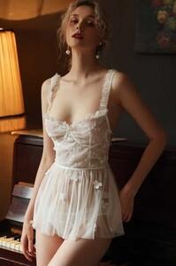 Camisones-blancos-atractivos-perspectiva-de-las-mujeres-ropa-de-dormir-de-malla-vestido-de-dormir-tentaci.jpg_q50.thumb.jpg.4d7578b7faff81585295fae4c26f509c.jpg