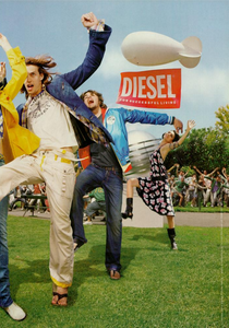 Constaine_Diesel_Spring_Summer_2005_04.thumb.png.f7c98139ec99eb19b6ea2a2edc43e66e.png