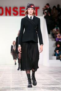 Dior-RTW-FW20-Paris-6873-1582642991.thumb.jpg.a9865a5173f42eb3855ba330ccf2c73d.jpg