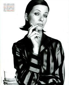 Faces_Meisel_Vogue_Italia_April_1992_04.thumb.png.42c60158a98ac7ef5adc96277598e127.png