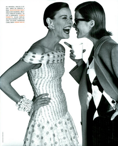Faces_Meisel_Vogue_Italia_April_1992_08.thumb.png.872fef66ef40dc766a0562985e93b80b.png