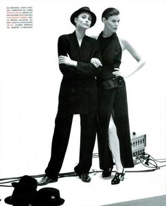 Faces_Meisel_Vogue_Italia_April_1992_12.thumb.png.99c266fba8ac30c3cb5a31d50d62e5cf.png