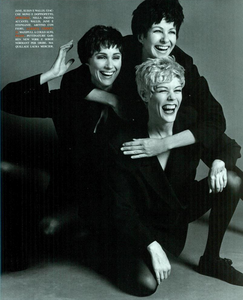 Faces_Meisel_Vogue_Italia_April_1992_14.thumb.png.08759309cda6473eea8a5d3abb1c8a69.png