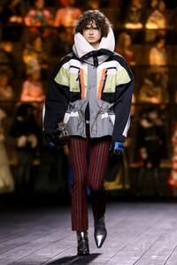 Louis-Vuitton-RTW-FW20-Paris-0727-1583261786.thumb.jpg.60173601cd2dc41bdde59486ed03c312.jpg