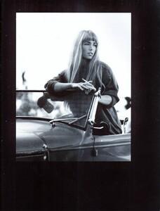 Meisel_Vogue_Italia_August_1992_05.thumb.jpg.ebfa68c7dcef79f233a118456e63feb0.jpg