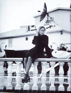 Meisel_Vogue_Italia_August_1992_10.thumb.jpg.7cfd39ede9a228df55160773fe83553f.jpg