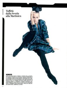Meisel_Vogue_Italia_February_1985_01_05.thumb.png.364d944308df996228906992c7cbe0a6.png