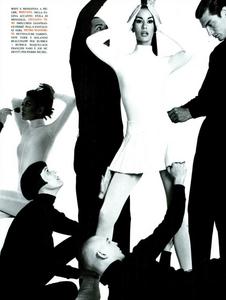 Meisel_Vogue_Italia_July_1991_12.thumb.png.d4b15851479d1135bd5b89651715dfa4.png