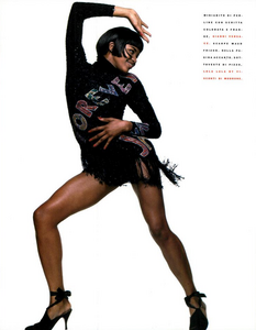 Meisel_Vogue_Italia_July_August_1989_04.thumb.png.8004bf642f2eafafa25d5328210bb636.png