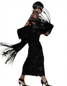 Meisel_Vogue_Italia_July_August_1989_08.thumb.png.5751e34ae13c87544dbab3329c7075c2.png