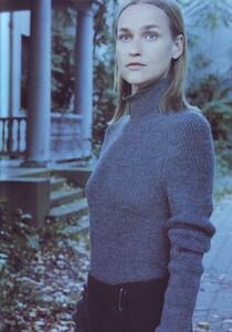 Meisel_Vogue_Italia_November_1999_06.thumb.jpg.7e590a4986e8690517fdaaaf95753953.jpg