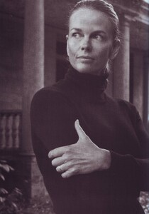 Meisel_Vogue_Italia_November_1999_09.thumb.jpg.160da4929a5557e9d4b91d05756481e8.jpg