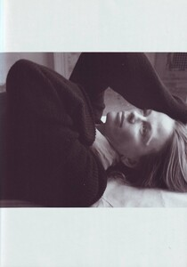 Meisel_Vogue_Italia_November_1999_20.thumb.jpg.8dd8138c85f4a3364309fbebd05bec96.jpg