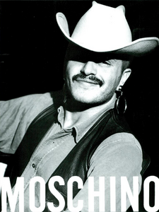 Moschino_Spring_Summer_1985_01.thumb.png.7bc589e8a93a6d2752479d2c47385a00.png