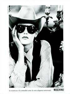 Moschino_Spring_Summer_1985_09.thumb.png.d0b4e6062ea9b0cd6e0dad46a4ba3b38.png