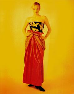 Thomas_Vogue_Italia_September_1988_04.thumb.png.203f83d1f29a24f5feebb9a1e23b6b8f.png