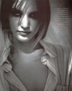 Vallhonrat_Vogue_Italia_July_August_1989_05.thumb.png.b909ff2915254772cf19b9b0319fa3be.png