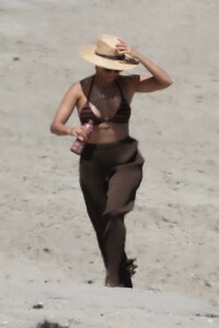 kourtney-kardashian-in-a-bikini-on-the-beach-in-malibu-07-18-2020-6.jpg
