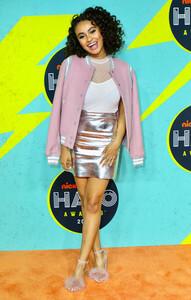 Daniella+Perkins+Nickelodeon+Halo+Awards+2017+2ZQTVDMU2Zal.jpg