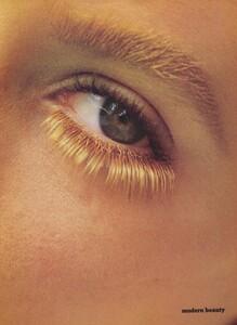 Elgort_US_Vogue_October_1986_06.thumb.jpg.305ce12b9668e028c1c02fb71d0a3762.jpg