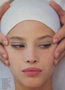 Elgort_US_Vogue_October_1986_09.thumb.jpg.724d5946e3f8afea366d215574e64d56.jpg