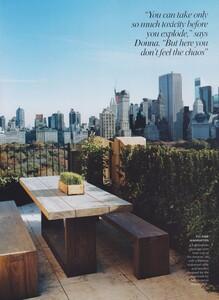 Halard_Leibovitz_US_Vogue_March_2004_06.thumb.jpg.b1f10e4c638057a278794c071996b484.jpg