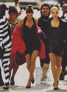 Kirk_US_Vogue_December_1988_03.thumb.jpg.17f72a4f538826790e4d72d6f7b04b9f.jpg