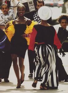 Kirk_US_Vogue_December_1988_04.thumb.jpg.eaeff400f0786ace8c5d3b5f0df7b811.jpg