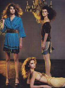 Klein_US_Vogue_March_2004_07.thumb.jpg.5e6484d99bf87002c8fa2afce941b4e9.jpg