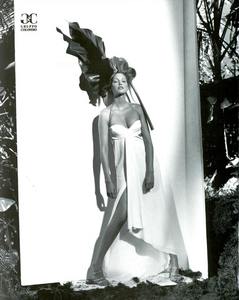 Meisel_Gianfranco_Ferre_Spring_Summer_1993_04.thumb.png.291f83f1fdd106bf98876c7ea3d7f95b.png