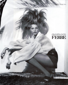 Meisel_Gianfranco_Ferre_Spring_Summer_1993_05.thumb.png.0074814923f470a3c06cf1f851944cb7.png