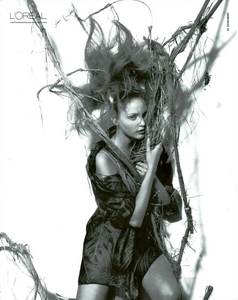 Meisel_Gianfranco_Ferre_Spring_Summer_1993_08.thumb.png.6a0b069713e1d1e75245b9270c8a2532.png