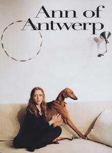 Penn_US_Vogue_April_1997_01.thumb.jpg.07c15fcd1a8baf4bfae251183796cfa3.jpg