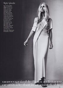 Penn_US_Vogue_April_1997_04.thumb.jpg.138048083f5dd72ea2bf87d5f9b43b4f.jpg