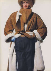 Shearling_Penn_US_Vogue_October_1986_03.thumb.jpg.b2829bb71269ca558ebc03209cc8d50c.jpg