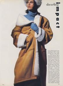 Shearling_Penn_US_Vogue_October_1986_04.thumb.jpg.71bd6d79c6d72af5e6fa44bf29beb932.jpg