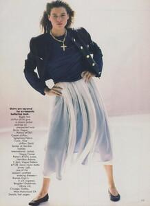 Sheer_Elgort_US_Vogue_December_1988_04.thumb.jpg.8d633a562cb6e771dab1ed16b72c78fd.jpg