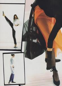 Sheer_Elgort_US_Vogue_December_1988_05.thumb.jpg.c4d3137469aebee77c53a10dda4e5837.jpg