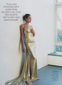 Testino_US_Vogue_March_2004_04.thumb.jpg.5e57b093e53c67e8feebffcf7378bfe5.jpg