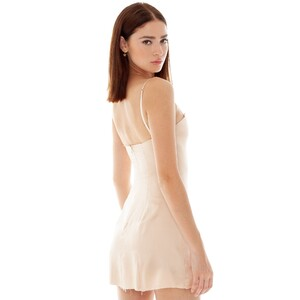 are-you-am-i_bianca-finch_faira-dress_fawn--3_2000x.thumb.jpg.637c24597c0efd09f9d9963997d8209f.jpg