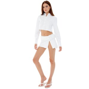 are-you-am-i_bianca-finch_ketki-jacket_white_2000x.thumb.jpg.1b1768527090edb418809a430c56dc5f.jpg