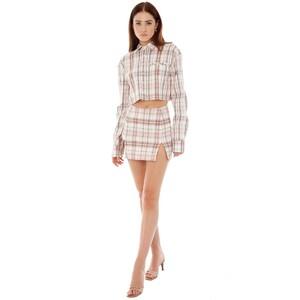 are-you-am-i_bianca-finch_trin-shirt.thumb.jpg.9a00bbae6dac32280c3b74a935d0422f.jpg