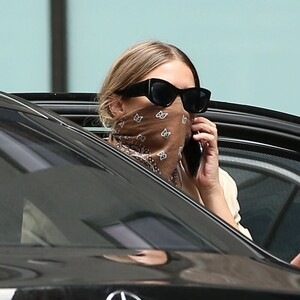 ashley-olsen-leaving-the-row-office-in-new-york-08-06-2020-0.jpg