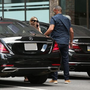 ashley-olsen-leaving-the-row-office-in-new-york-08-06-2020-1.jpg