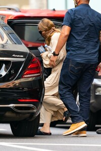 ashley-olsen-leaving-the-row-office-in-new-york-08-06-2020-3.jpg