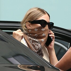 ashley-olsen-leaving-the-row-office-in-new-york-08-06-2020-5.jpg