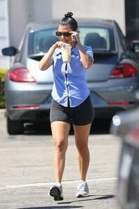 kourtney-kardashian-with-scott-disick-in-malibu-07-31-2020-3.jpg