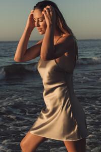 mathilde_gohler_open_back_satin_dress_1658-000040-0005_01j.thumb.jpg.8778ec05b1ec56520e1a239fd728ecff.jpg