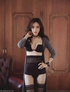sexy-son-yoon-joo-picture-112619-19.thumb.jpg.5adad7f8bc3450e2b8d0a7464c0f0ca6.jpg